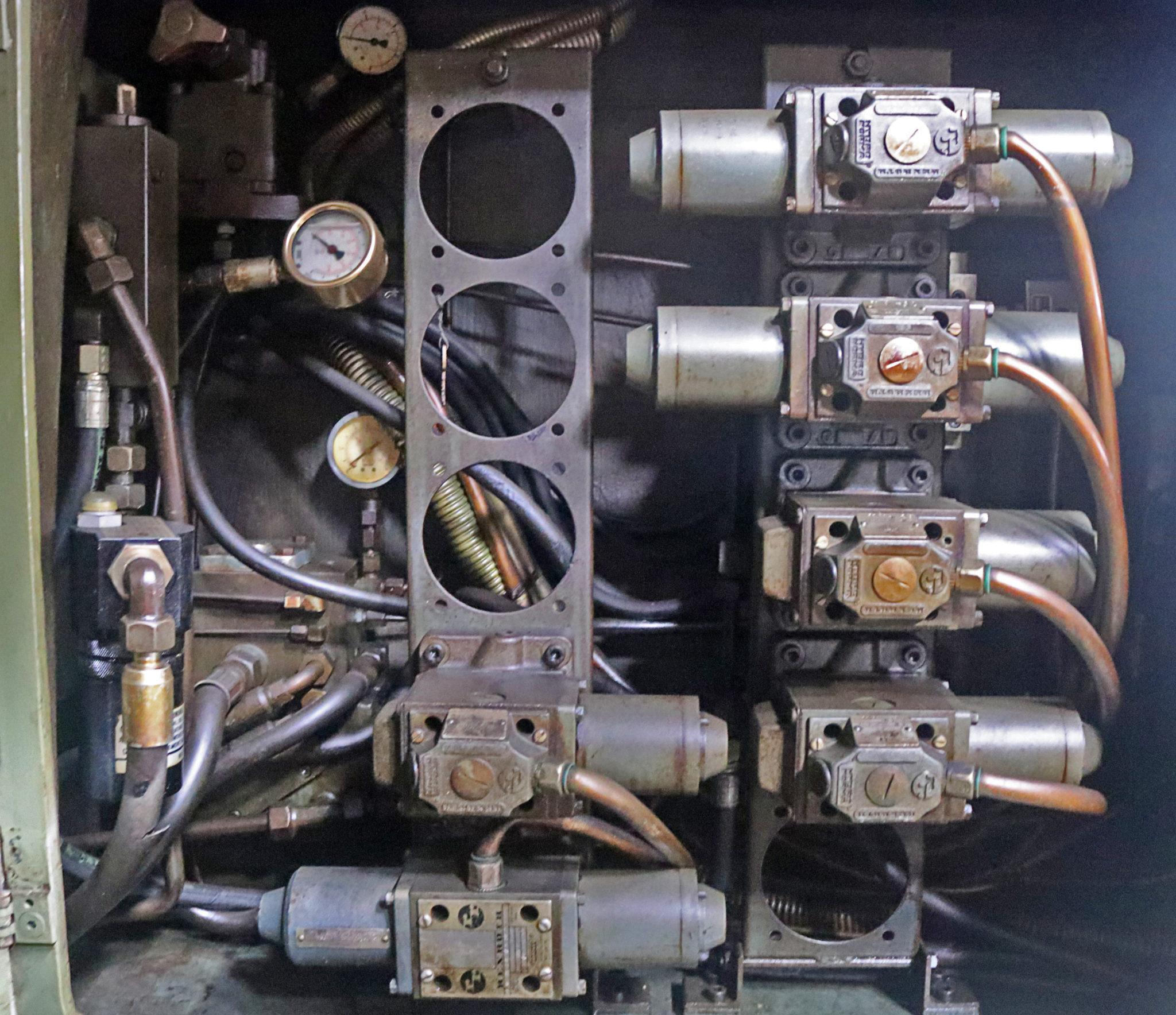Liebherr Universal L401 Gear Hobber