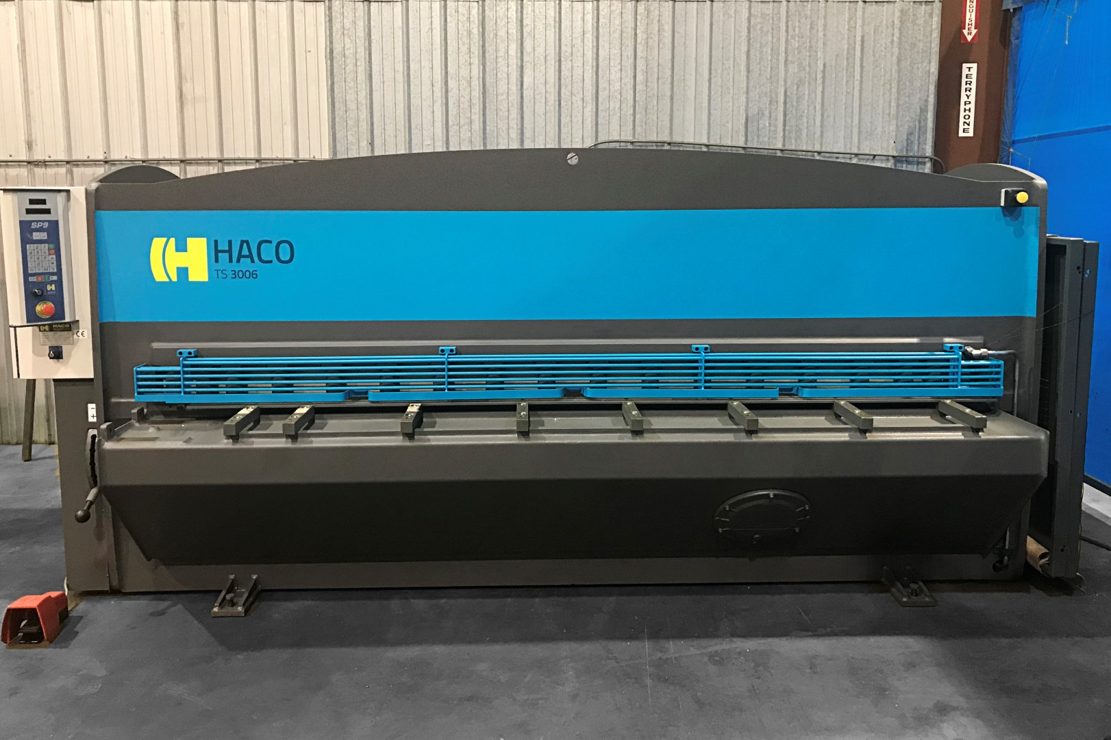 """... Haco 10' x 1/4"""" Hydraulic Guillotine Shear with 40"""" CNC Backgauge ..."""