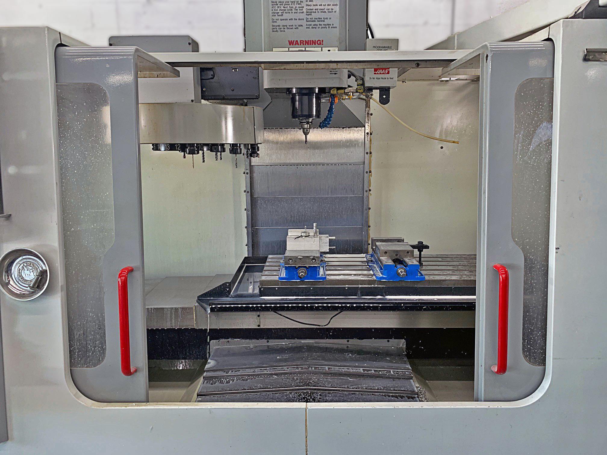 Haas 40″ x 20″ Dual Drive Vertical Machining Center, VF-3D